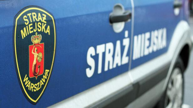 Spłonął samochód straży miejskiej tvnwarszawa.pl