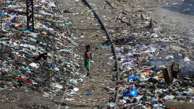 Indie: Światowy Dzień Środowiska pośród ton śmieci